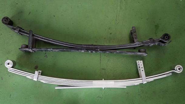ハイエース4型バンS-GLの純正リーフとキープスラントリーフの比較